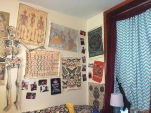 Alison's season 2 bedroom set
